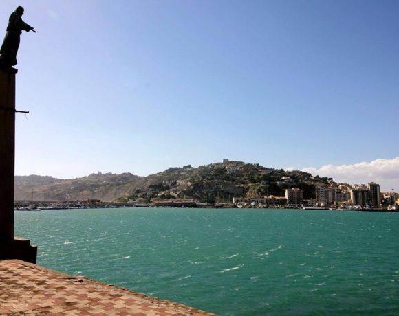 Foto panoramica di Licata dal porto
